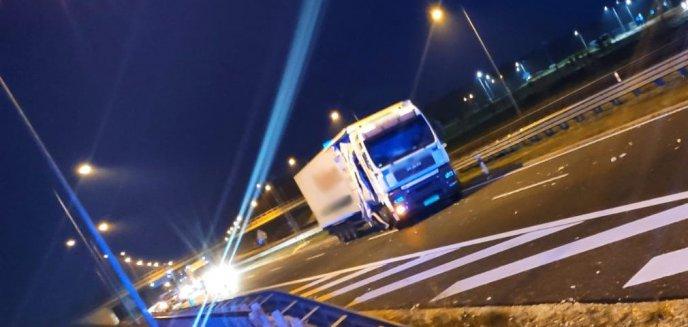Artykuł: Pod Olsztynkiem zderzyły się dwie ciężarówki