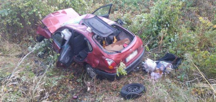 Artykuł: Wypadek pod Dobrym Miastem. Kierowca toyoty zabrany śmigłowcem do szpitala