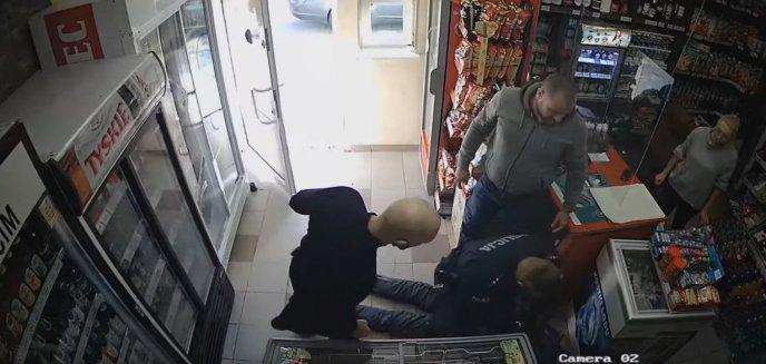 25-latek napadł na sklep monopolowy w Ostródzie. Zaskoczył go właściciel [WIDEO]