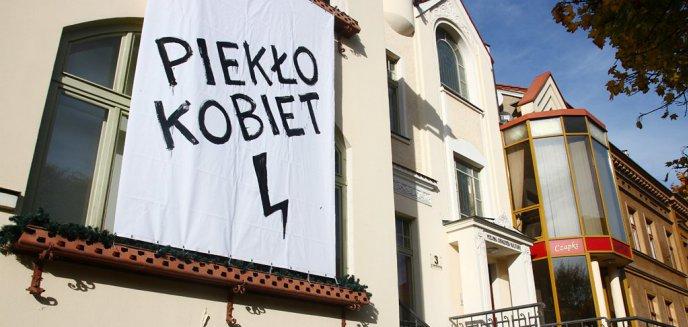 Artykuł: [OPINIE] Polityka antyaborcyjna podzieliła Polaków. Poparcie dla kobiet wyraził olsztyński MOK