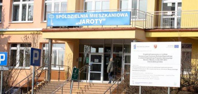 Artykuł: SM Jaroty. Czytelniczka: ''Mimo zagrożenia epidemicznego chodzą po mieszkaniach i spisują liczniki''