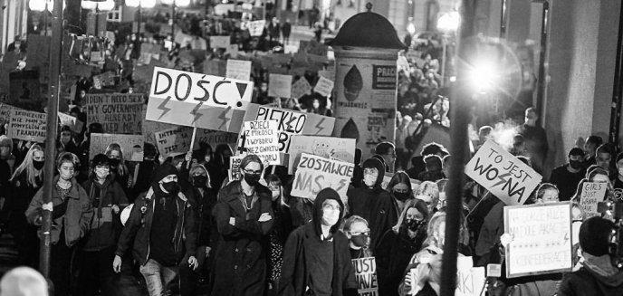 Strajk Kobiet. W środę było nawet 10 tys. protestujących w Olsztynie! [ZDJĘCIA, WIDEO]