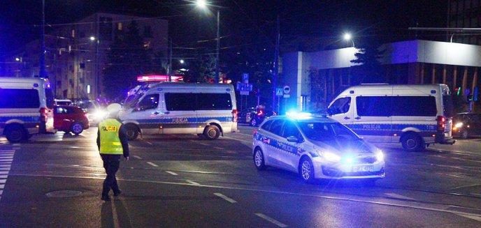 Artykuł: Strajk kobiet w Olsztynie. Liczne interwencje policji m.in. ws. kradzieży telefonu [WIDEO, AKTUALIZACJA]