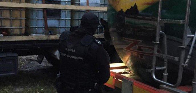 Akcja olsztyńskiej KAS na Pomorzu. Zaskoczyli przestępców handlujących nielegalnym paliwem [ZDJĘCIA, WIDEO]