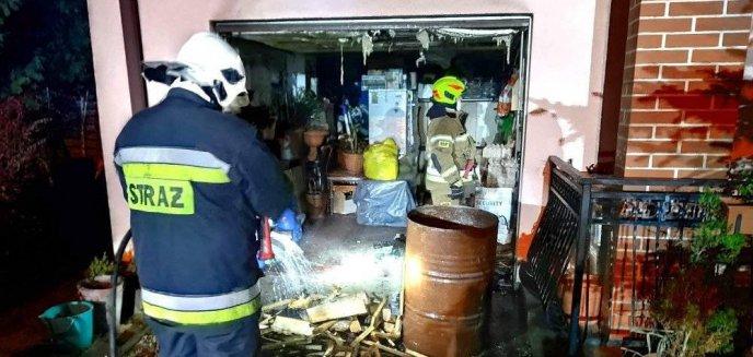 Artykuł: Ogień opanował dom jednorodzinny w Wójtowie pod Olsztynem. Strażakom pomogli mieszkańcy [ZDJĘCIA]