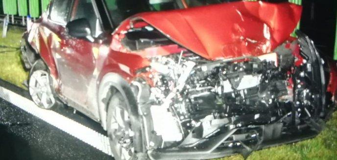 Artykuł: Wypadek na obwodnicy Olsztyna. Zderzyły się trzy samochody osobowe i laweta [ZDJĘCIA]