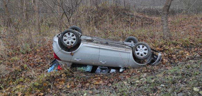 Artykuł: Kierująca oplem straciła panowanie nad autem. Dachowała na ul. Bałtyckiej w Olsztynie