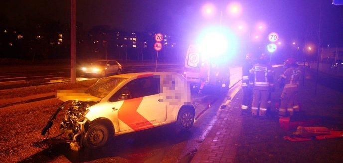 Artykuł: Groźny wypadek na skrzyżowaniu alei Obrońców Tobruku z ulicą Iwaszkiewicza [ZDJĘCIA]