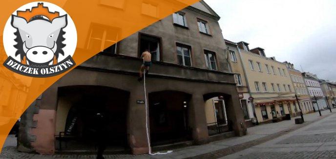 Artykuł: Mężczyzna w samych majtkach ucieka przez okno na olsztyńskiej starówce. Kochanek? [WIDEO]