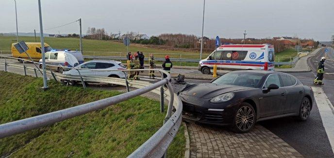 Artykuł: Wypadek z udziałem porsche pod Olsztynem [ZDJĘCIA]