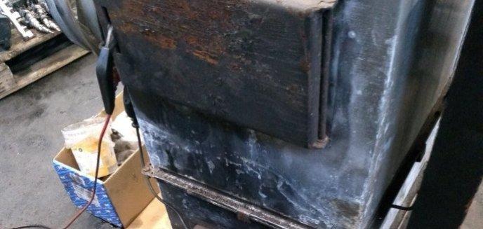 Artykuł: Spalał przepalony olej. Właściciel warsztatu przy ulicy Rataja w Olsztynie ukarany mandatem
