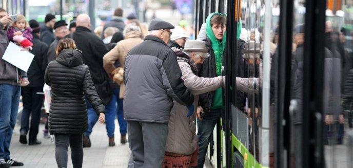 Artykuł: ZDZiT odchodzi od gotówki. Od Nowego Roku w biletomatach mobilnych już nią nie zapłacimy...