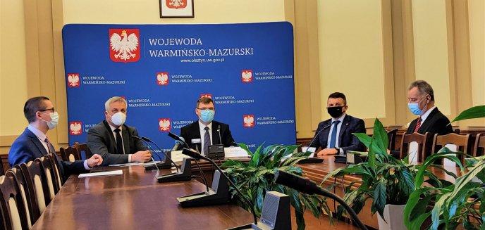 Artykuł: Wojewoda Artur Chojecki i Jerzy Szmit podsumowali tegoroczne inwestycje