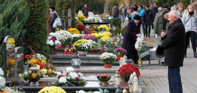 Artykuł: Jesienią 2020 roku zmarło w Olsztynie niemal dwukrotnie więcej osób niż rok wcześniej