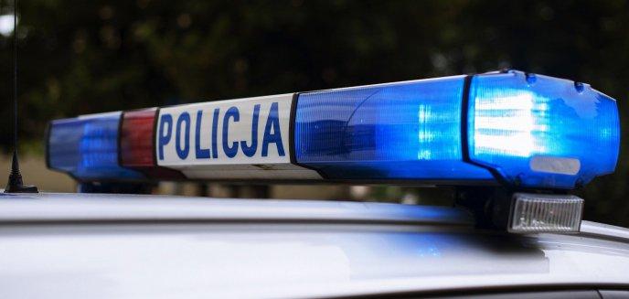 Artykuł: Na jednym ze skrzyżowań w Olsztynie 27-latek zasłabł za kierownicą. Okazało się, że nie miał prawa jazdy