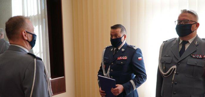 Artykuł: Piotr Zabuski pożegnany z honorami. Komendantem olsztyńskiej policji został Robert Zalewski