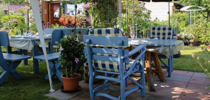 Artykuł: Zestaw mebli ogrodowych - na jaki materiał postawić?