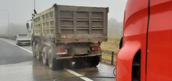 Artykuł: Pożar ciężarówki pod Olsztynem. Z ogniem walczyły trzy zastępy straży pożarnej