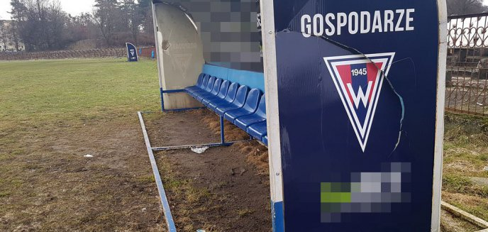 Wandale po raz kolejny zniszczyli stadion Warmii [ZDJĘCIA]