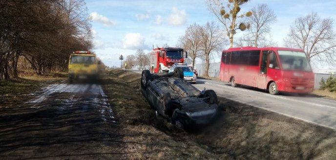Artykuł: Pijany kierowca volvo doprowadził do kolizji na wjeździe do Dobrego Miasta [ZDJĘCIA]