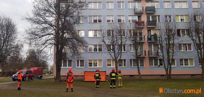 Artykuł: Akcja ratunkowa na osiedlu Kormoran w Olsztynie. Rozstawiono skokochron [ZDJĘCIA]