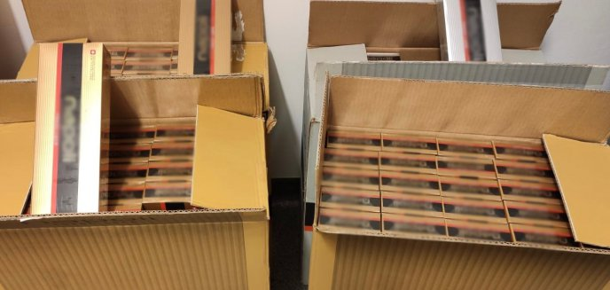 Artykuł: 45-latek przemycał ponad 2 tysiące paczek ''lewych'' papierosów. Wpadł w Olsztynku