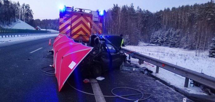 Artykuł: Tragedia pod Stawigudą. Kobieta uderzyła w wóz strażacki [ZDJĘCIA]