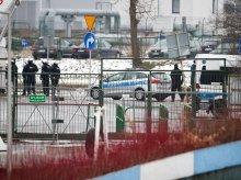 Tłum kibiców Stomilu Olsztyn protestował pod stadionem. Interweniowała policja [ZDJĘCIA]