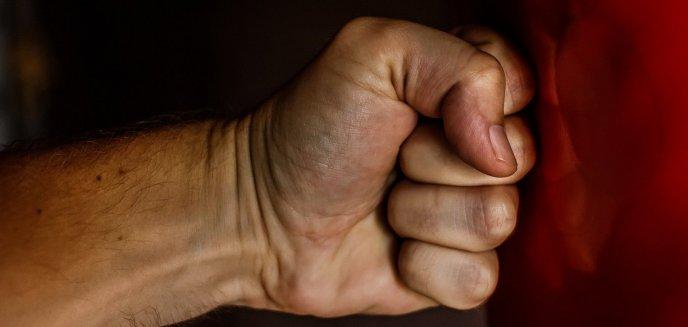 Artykuł: Dramat 68-latki z Olsztyna trwał wiele lat. 35-letni syn bił i groził śmiercią własnej matce
