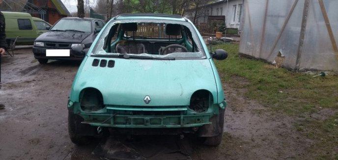 Artykuł: Demontował pojazd na podwórku. Zauważyli to strażnicy miejscy... [ZDJĘCIA]
