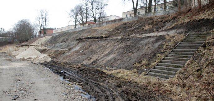 Artykuł: Budowa trybun na stadionie przy ul. Gietkowskiej będzie musiała jeszcze poczekać
