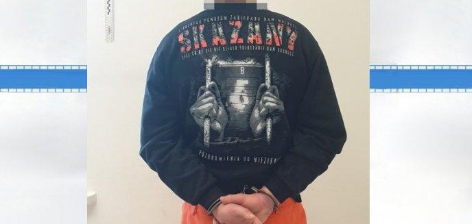 Artykuł: Miał bluzę z napisem ''pozdrowienia do więzienia''. Nie spodziewał się, że sam w nim wyląduje...