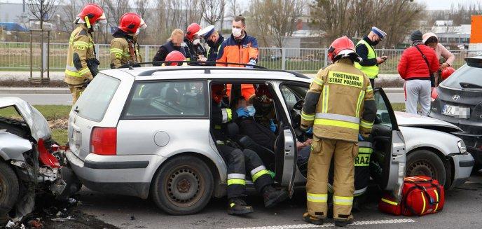 Artykuł: Wypadek na ulicy Towarowej w Olsztynie [ZDJĘCIA] [AKTUALIZACJA]