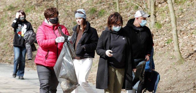 Sprzątali okolice olsztyńskich jezior. Wśród nich była posłanka Monika Falej [ZDJĘCIA]