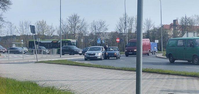 Artykuł: 91-latek spowodował kolizję na rondzie Ofiar Katastrofy Smoleńskiej w Olsztynie