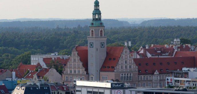 Olsztyńscy urzędnicy udzielili odpowiedzi ws. wyłudzeń dotacji na edukację