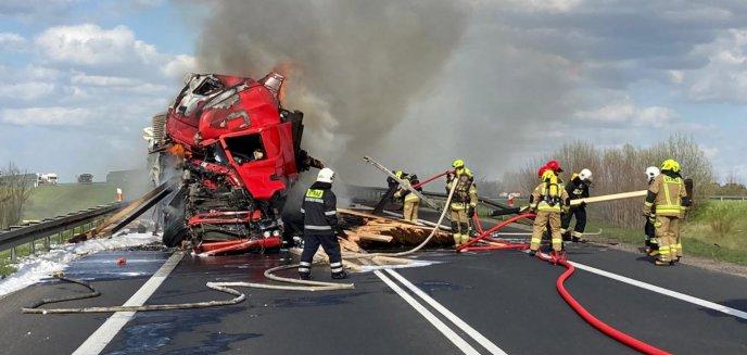 Pożar ciężarówki na drodze krajowej nr 16 między Barczewem a Biskupcem [ZDJĘCIA]