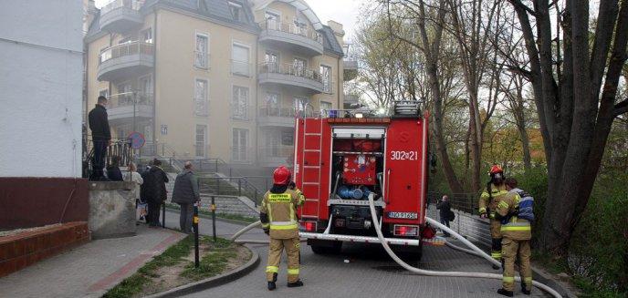 Artykuł: Pożar w bloku przy ul. Grunwaldzkiej w Olsztynie [ZDJĘCIA]