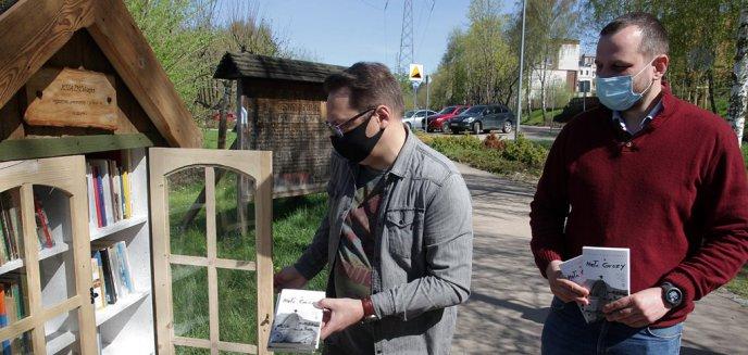 Artykuł: Kolejne książki trafiły do olsztyńskich KSIĄŻKOchatek