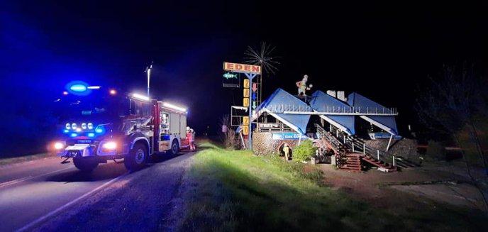 Artykuł: Pożar w budynku, w którym mieścił się kultowy Zajazd ''Eden'' w Napierkach [ZDJĘCIA]