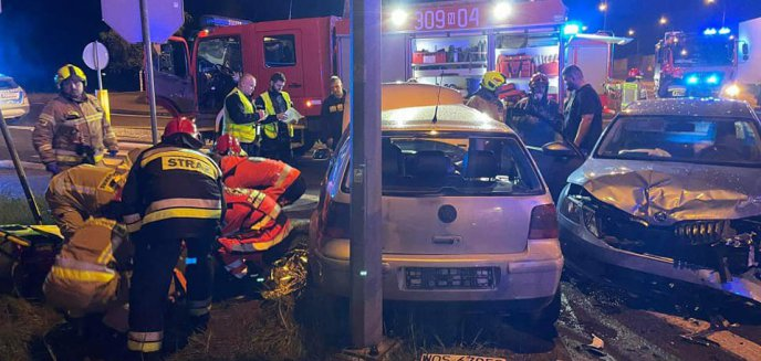 Artykuł: W wypadku pod Olsztynem uczestniczyło 6 osób [ZDJĘCIA]