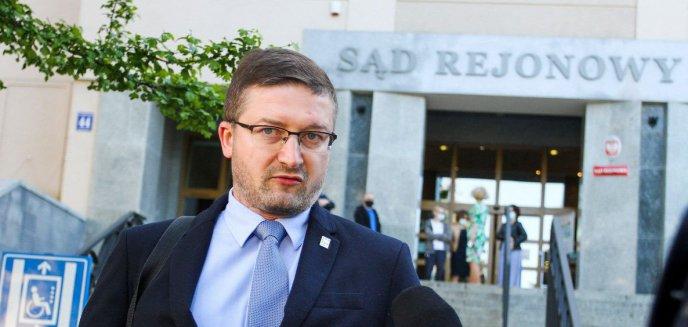 Artykuł: Paweł Juszczyszyn wrócił do pracy. Prezes sądu jest jednak nieugięty [AKTUALIZACJA]