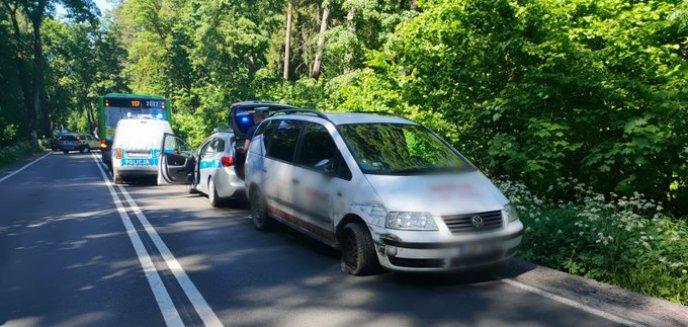 Artykuł: Poważna kolizja na al. Wojska Polskiego. 71-letni kierowca zasnął za kierownicą [ZDJĘCIA]