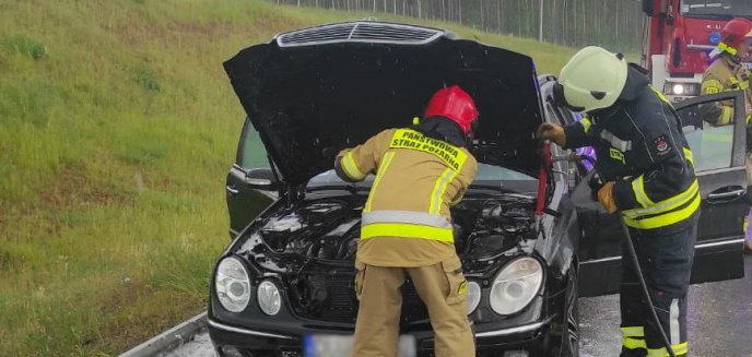 Artykuł: Pożar auta na drodze szybkiego ruchu między Olsztynkiem a Olsztynem [ZDJĘCIA]