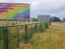 Wracamy do tematu kontrowersyjnego banera ''Homofobia zabija'' przy al. Piłsudskiego. Głos zabrali katolicy