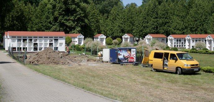 Ruszyła budowa kolumbariów na cmentarzu przy ul. Poprzecznej