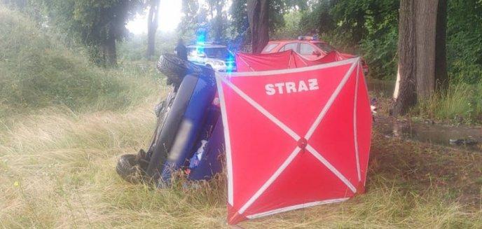 Artykuł: Wypadek pod Olsztynem. Nie żyje 29-letnia kobieta