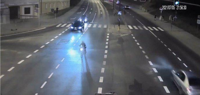 Artykuł: Pijany motorowerzysta jechał ''wężykiem'' ulicami Olsztyna. Zauważył to policjant [WIDEO]
