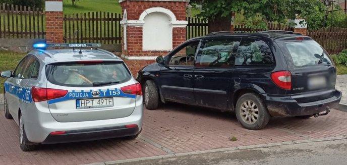 Artykuł: 54-latek spod Olsztyna zamienił tablice rejestracyjne w autach, bo... nie chciało mu się załatwiać formalności