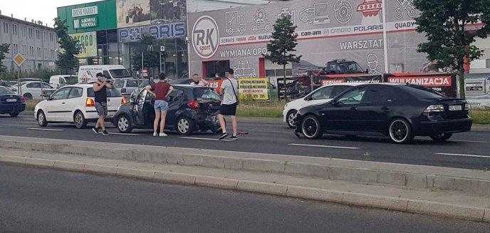 Artykuł: Kolizja trzech samochodów na ulicy Armii Krajowej w Olsztynie